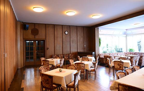 3.mutterhaus-im-bauhausstil