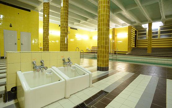 Architektur des mutterhauses neuvandsburg elbingerode - Schwimmbad architektur ...